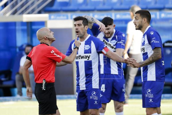 0-0. Alavés y Getafe llegan al descanso sin goles y con pocas ocasiones