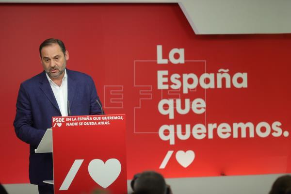 """Ábalos cree que el PSOE """"ha aguantado"""" la """"ofensiva de derribo"""" del PP"""