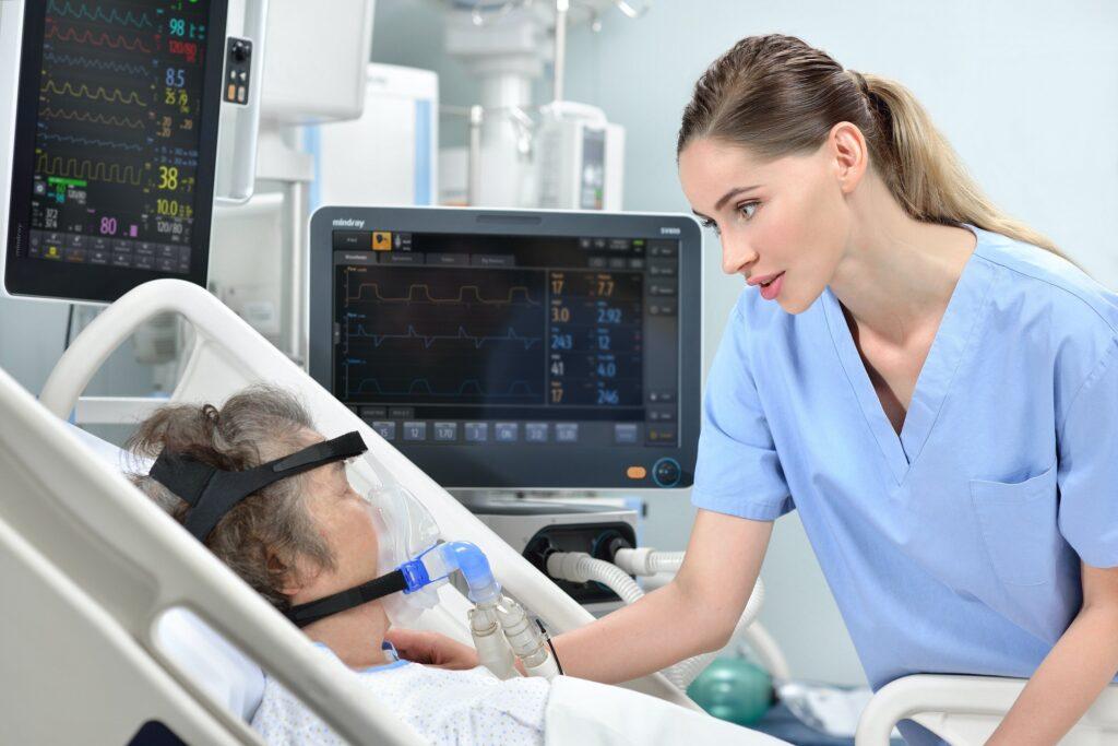 Amélioration de l'assistance respiratoire pour les patients atteints de COVID-19 grâce à la ventilation assistée par auto-apprentissage