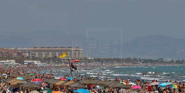 Avisos por calor y tormentas en 7 comunidades y alerta naranja en Valencia