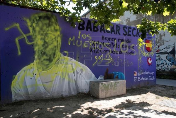 Babacar Seck denunciará pintadas nazis aparecidas en un mural en su honor