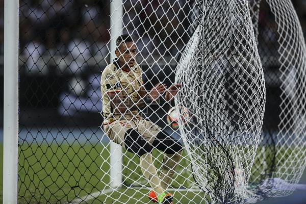 Barcelona y Guayaquil City igualan en una amistoso para reanudar el torneo de fútbol en Ecuador