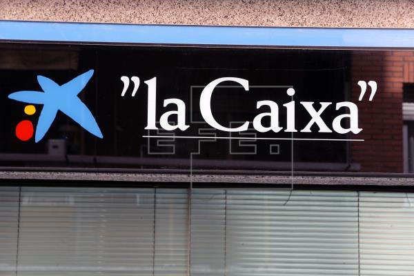 CaixaBank gana 205 millones, un 67 % menos, tras dotar 1.155 por la COVID