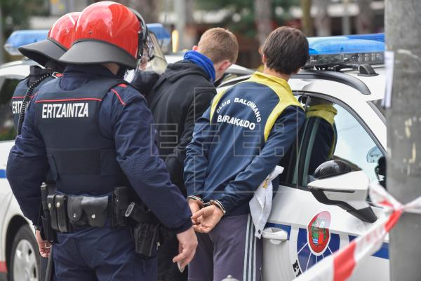 Cinco detenidos y dos heridos en los incidentes del mitin de Vox en Barakaldo