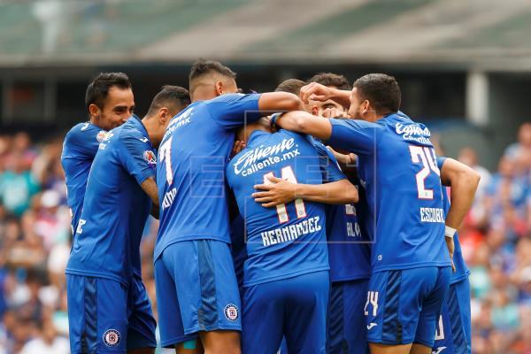 Cruz Azul vence en penaltis a los Tigres y se clasifica a la final