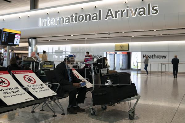 Heathrow pide al Gobierno británico que deje de poner cuarentenas a los viajeros