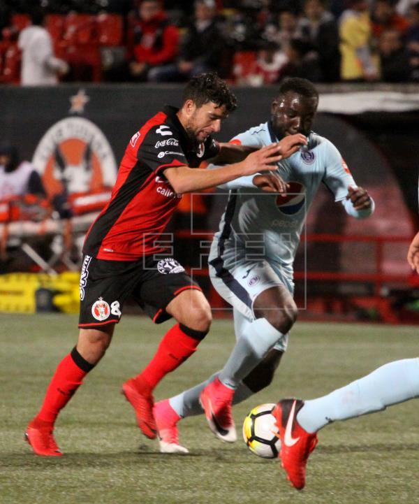 El uruguayo Rivero levanta la mano para jugar en varios puestos en Cruz Azul