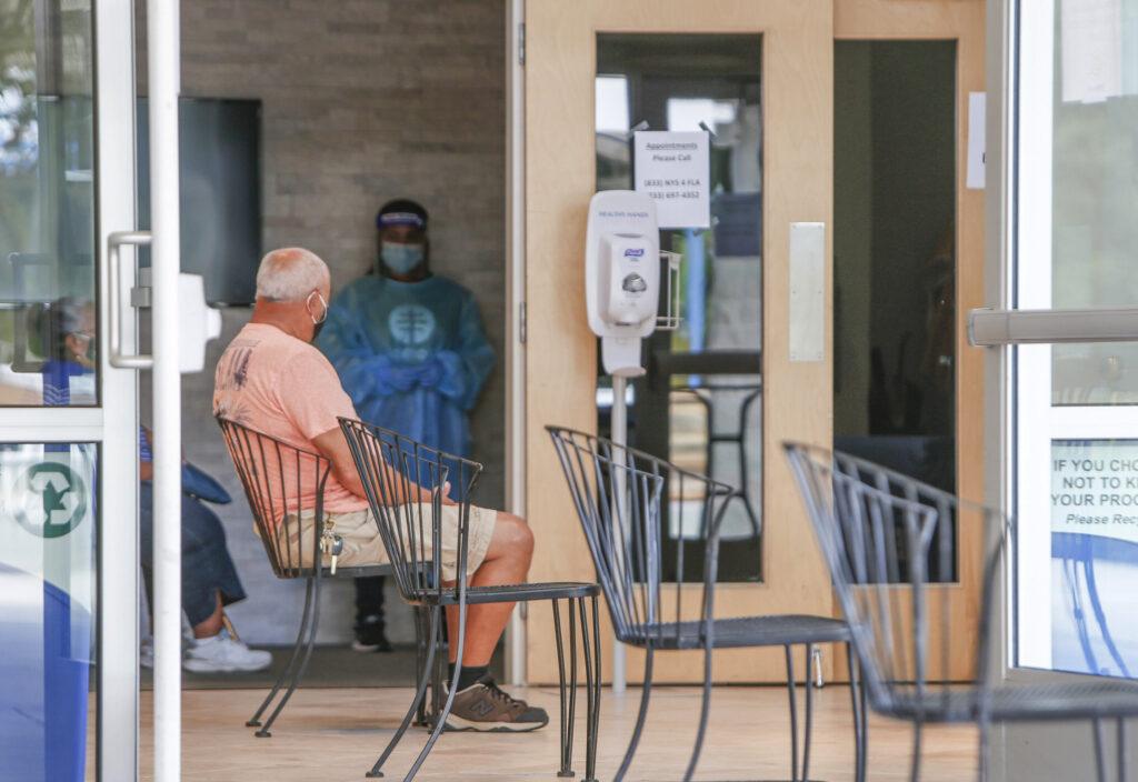 La Floride fait face à des pressions et enregistre des décès par virus records