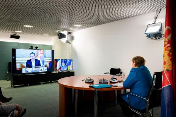 Francia y Alemania desbloquean el difícil diálogo entre Serbia y Kosovo