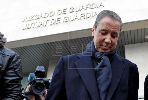 La Guardia Civil acusa a Zaplana de crear una trama de pago de comisiones
