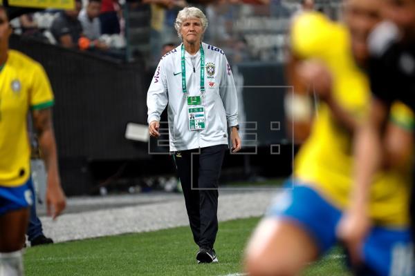 La sueca Pia Sundhage cumple un año frente a la selección brasileña