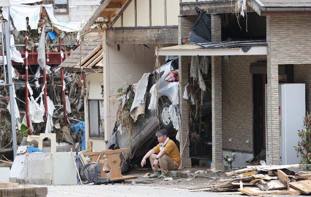 La pluie frappe le centre du Japon alors que 61 personnes sont mortes dans le sud