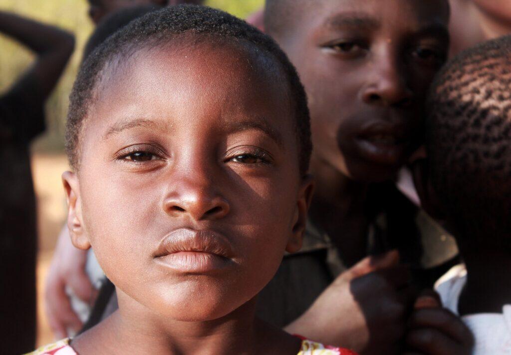 La rationalisation du traitement de la malnutrition aiguë apporte le même rétablissement chez les enfants à moindre coût