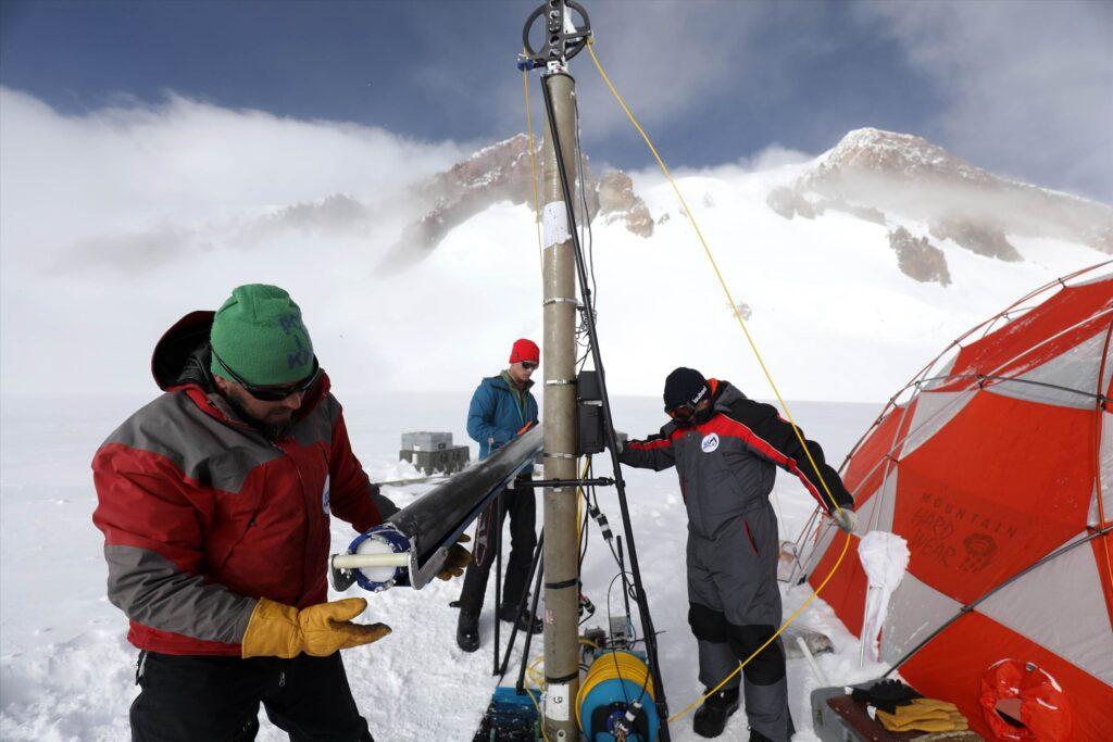 La signature anthropocène sur le mont Elbrouz, Caucase