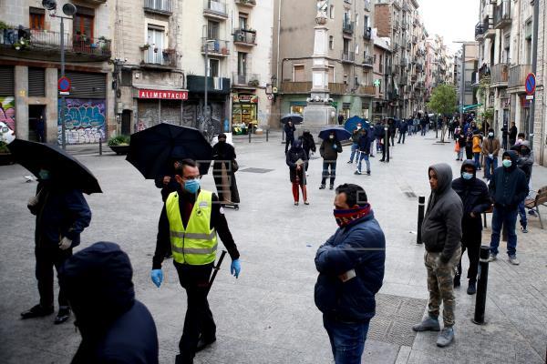 La asociación de servicios sociales propone diez medidas urgentes ante la crisis