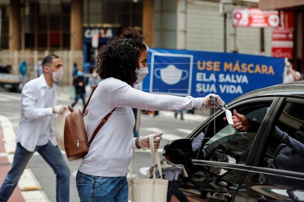 Le Brésil compte 1,9 million de cas et dépasse 72 000 victimes de la pandémie |  Société