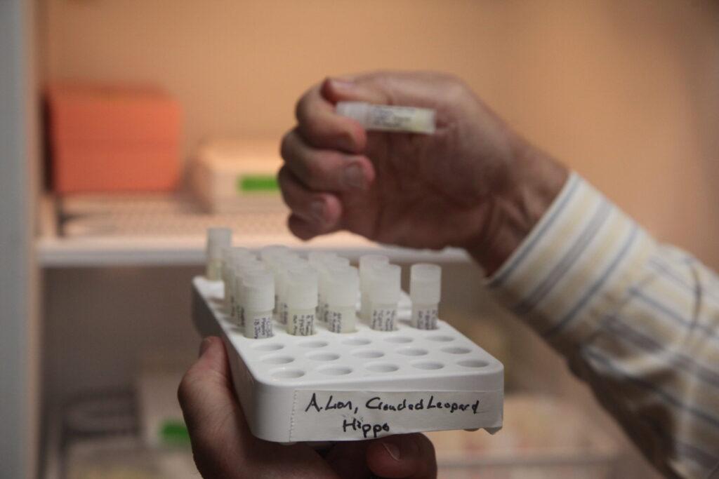 Le NIST élargit la base de données qui aide à identifier les composés inconnus dans le lait