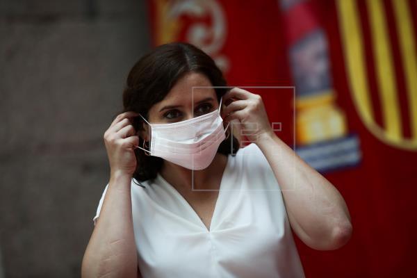 El Gobierno de Ayuso admite errores en la compra de material sanitario a China