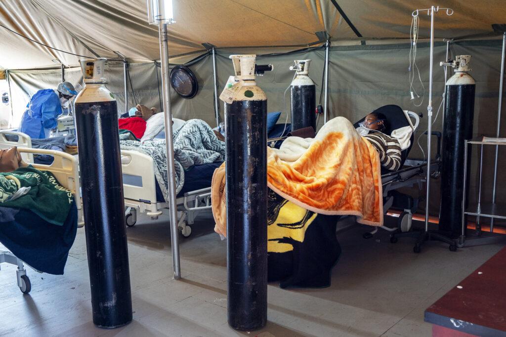 Les cas de virus augmentent fortement en Afrique et en Inde alors que les inégalités piquent