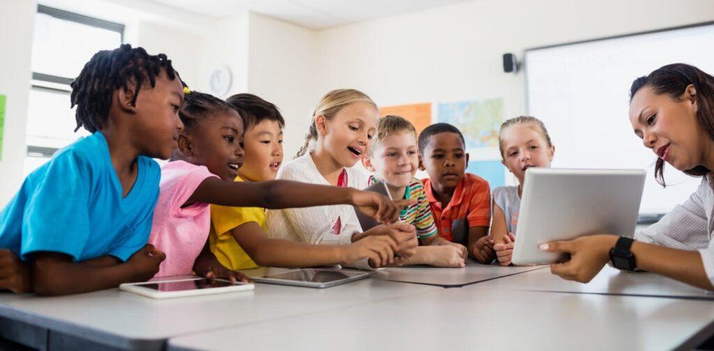 Les enseignants ont été déçus par une décennie d'inaction sur la technologie numérique