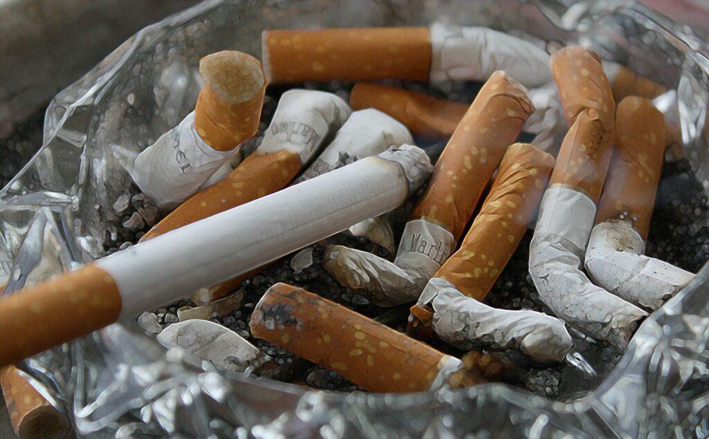 Les femmes qui fument sont quatre fois plus susceptibles que les non-fumeurs d'héberger un anévrisme cérébral