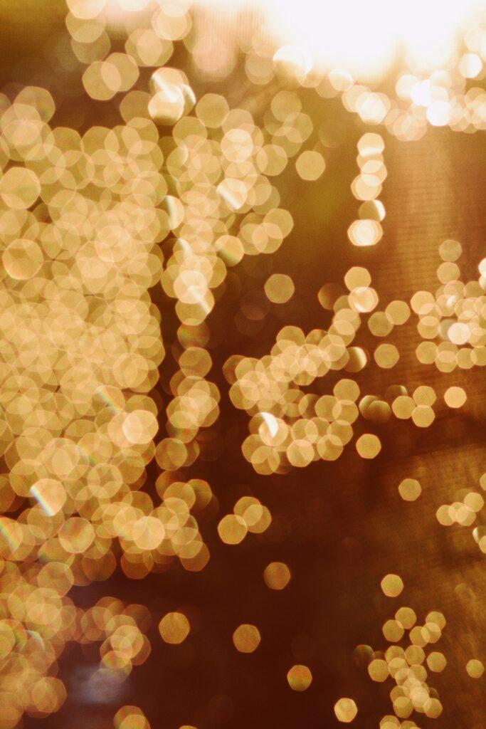 Les scientifiques suggèrent d'utiliser des métasurfaces de nanoparticules d'or pour déterminer la composition moléculaire de la substance