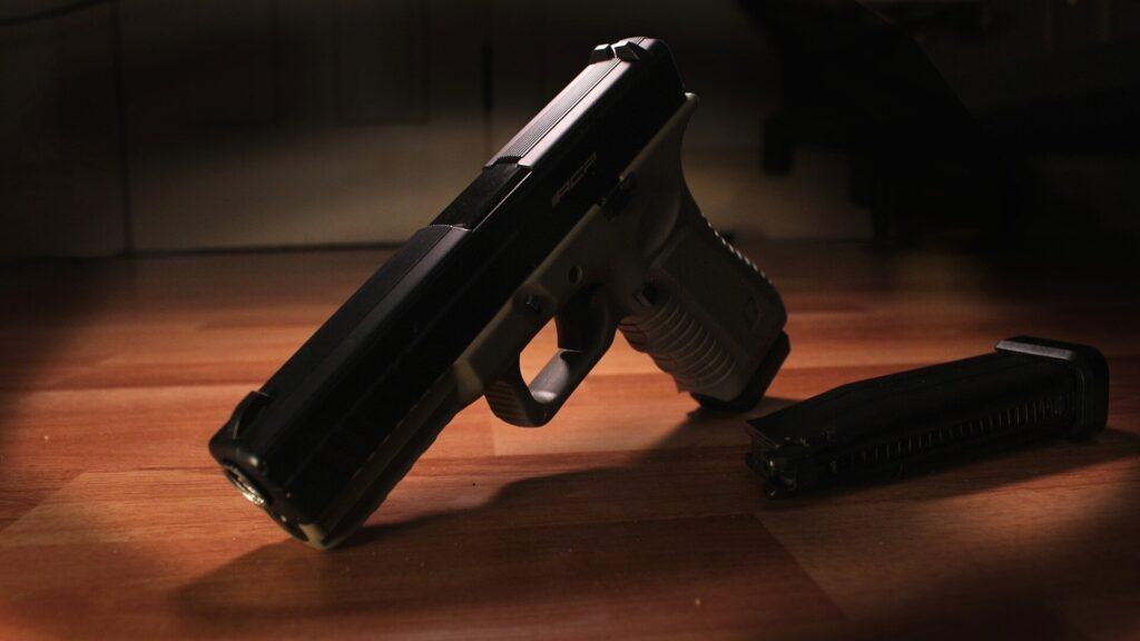 Les suicides par arme à feu en milieu rural influencés par des facteurs socio-économiques et environnementaux