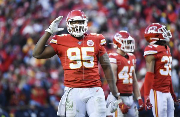 NFL AMERICAN FOOTBALL – Les chefs et l'ailier défensif Jones concluent un contrat de quatre saisons