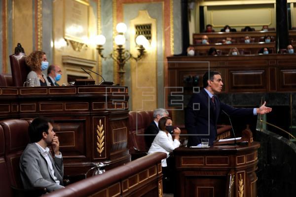 Sánchez anuncia una Conferencia de Presidentes en agosto sobre la vuelta a los colegios