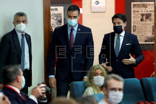 Sánchez agradece a Felipe VI marcar distancias ante las noticias de su padre