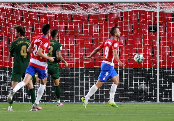 Un but de Soldado met Grenade en tête en première mi-temps (1-0)    des sports