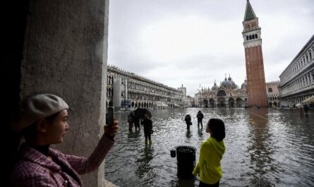 Venise termine le premier test de toutes les barrières contre les inondations
